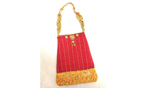 Handbag in Red with Golden Hold